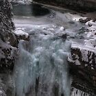 Frozen falls III by zumi