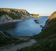Man O War Bay by Ian Middleton