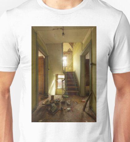 Maison des Echos Unisex T-Shirt