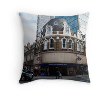 liverpool street underground station Throw Pillow
