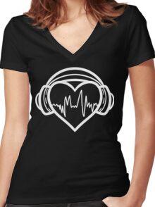 I love music. Women's Fitted V-Neck T-Shirt