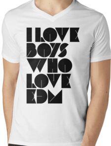 I Love Boys Who Love EDM (Electronic Dance Music) [light] Mens V-Neck T-Shirt