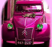 CATS LOVE CITROEN 2CV DEUX CHEVEUX CAR - pink by KenAlex