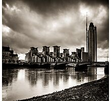 Drama in Vauxhall by RunnyCustard