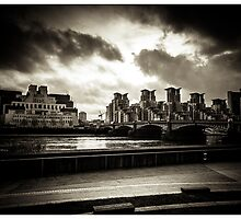 Drama in Vauxhall 2 by RunnyCustard