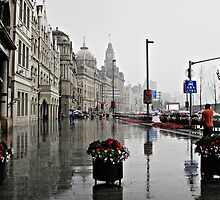 The Bund in the Rain © by Ethna Gillespie