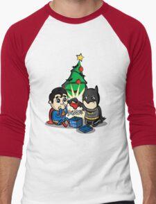 Unwanted Christmas Present Men's Baseball ¾ T-Shirt