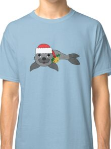 Gray Baby Seal with Santa Hat, Holly & Gold Bell Classic T-Shirt