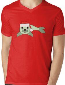 Light Green Baby Seal with Christmas Red Santa Hat Mens V-Neck T-Shirt
