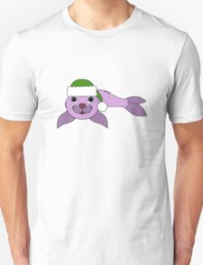 Light Purple Baby Seal with Christmas Green Santa Hat Unisex T-Shirt
