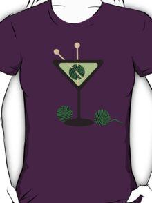 Martini glass knitting needles yarn T-Shirt
