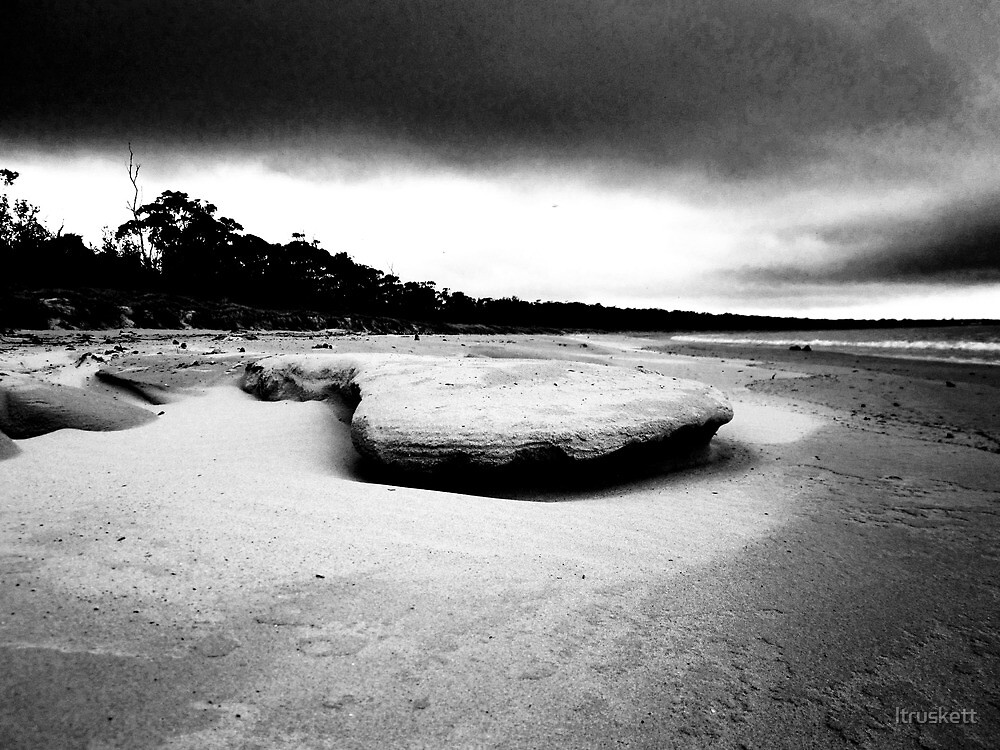 Beach On South Coast NSW by ltruskett