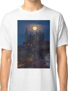 Super Moon Rise over Whitby Abbey North Yorkshire Dracula  Classic T-Shirt