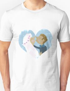 It must be love! T-Shirt