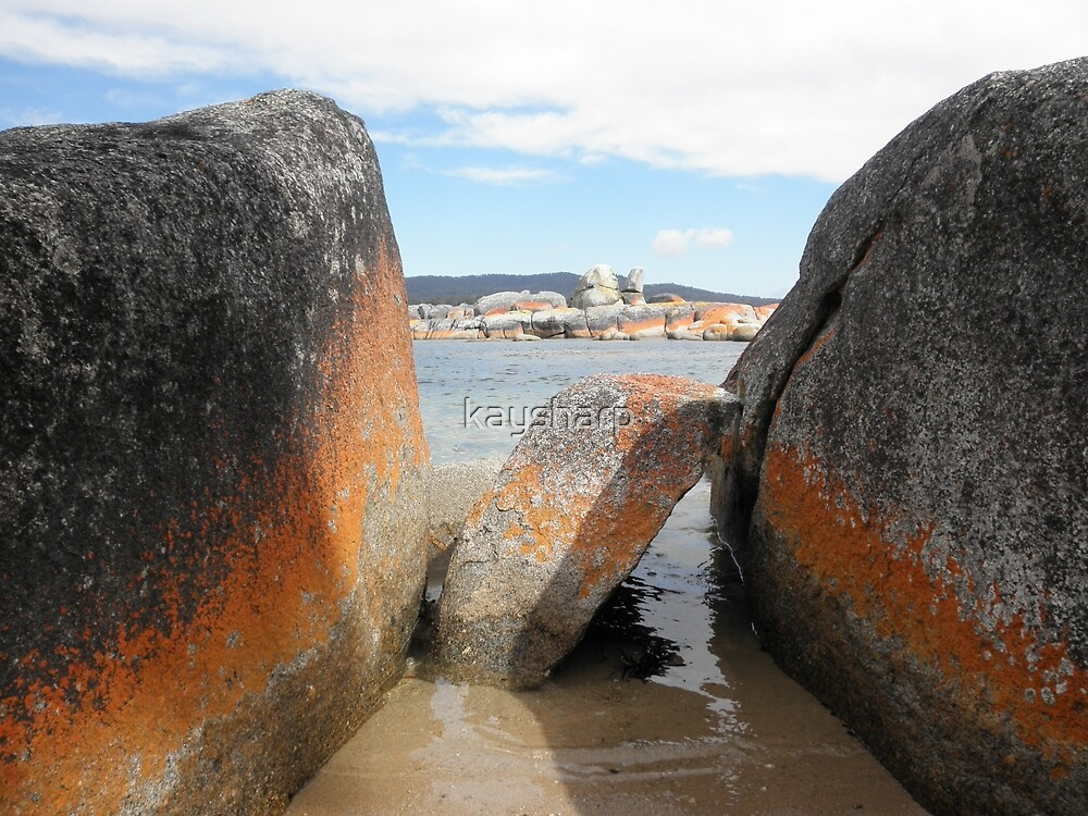 Standing Sentinel, Binalong Bay, Tasmania, Australia. by kaysharp