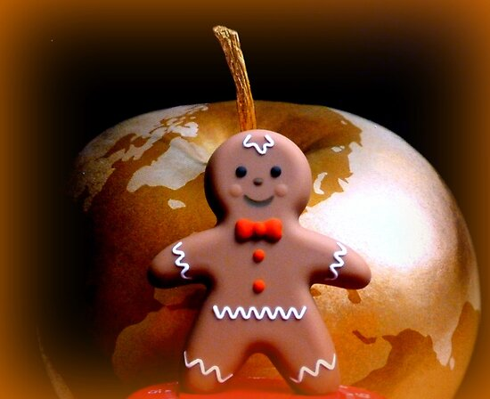 Gingerbreadman goes global... by ©The Creative  Minds