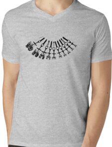 Rock Climbing Necklace Mens V-Neck T-Shirt