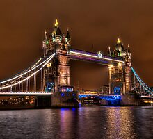 Tower Bridge, London by Erik Schlogl