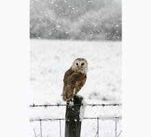 Barn Owl in snow Unisex T-Shirt