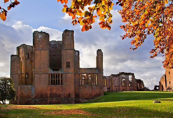 Autumn at Kenilworth Castle by vivsworld