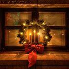 Wreath Warmth by Bob Larson