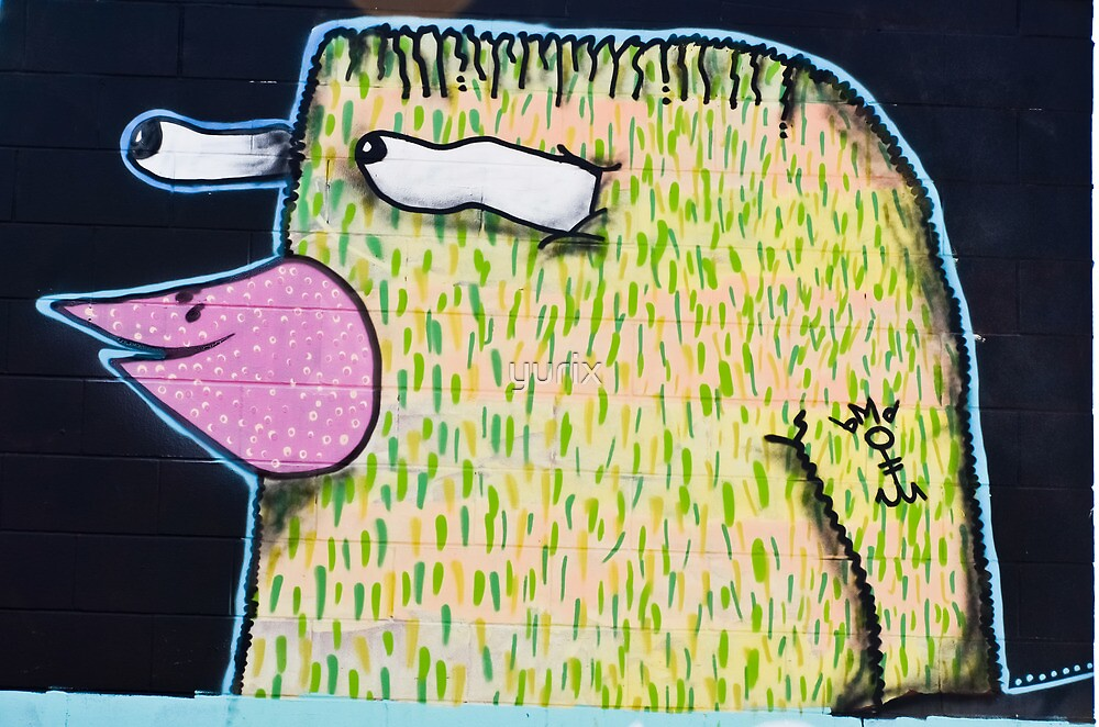 Graffiti Bird on the textured wall by yurix