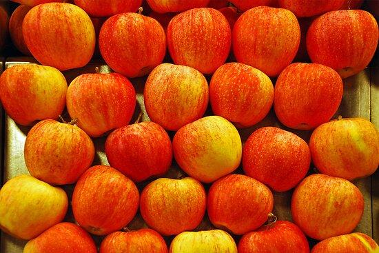 Apples by Arie Koene