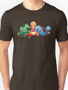 Charmander, Bulbasaur, and Squirtle playing Gameboy T-Shirt