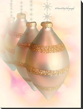 Christmas Baubles by Yannik Hay