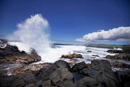 Mauritius - Lava Rock & Waves by mattnnat
