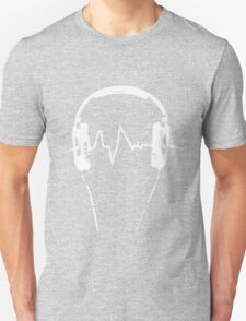 Headphones Frequency Girls funny nerd geek geeky T-Shirt