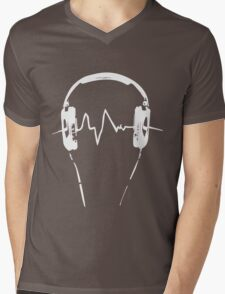 Headphones Frequency Girls funny nerd geek geeky Mens V-Neck T-Shirt