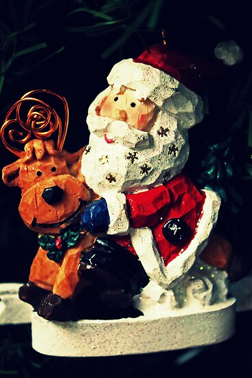 Santa To The Rescue by Evita