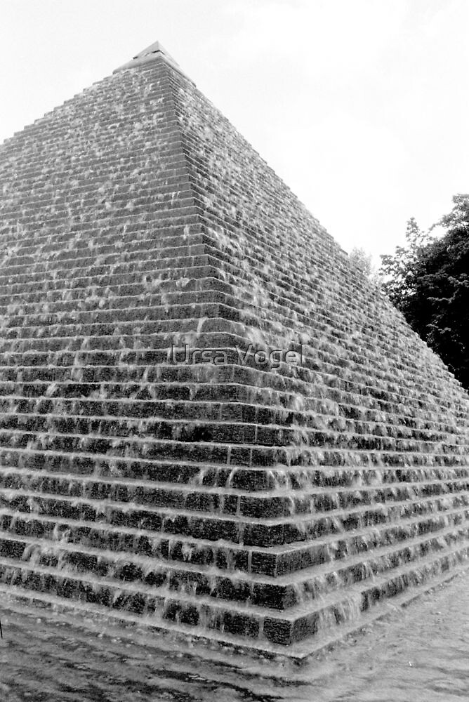 1988 - the pyramid by moyo