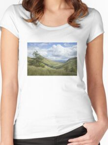 Glengesh Pass, Co. Donegal Women's Fitted Scoop T-Shirt