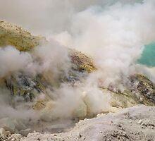 Sulphuric fumes of Kawah Ijen by neneaniket