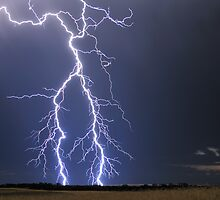 Lightning near Parrakie, SA by Matt Harvey