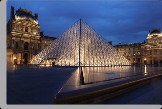 Pyramid du Louvre by Elena Skvortsova