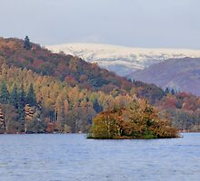 Lake Windermere. Autumn. by Irina Chuckowree