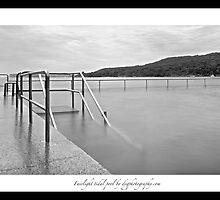 Fairlight King tide by donnnnnny