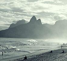 la plage d'ipanéma by dan throsby