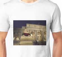 Classic Lion Sculpture, New York Public Library, New York City Unisex T-Shirt