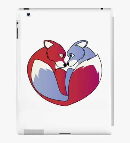 Fox love 1 iPad Case/Skin
