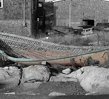 Broken boat silent souls by Hughritchie