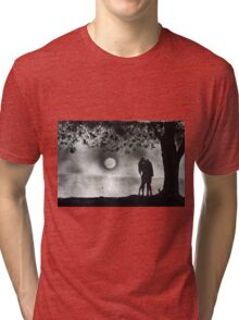 Lovers Kissing under tree Tri-blend T-Shirt