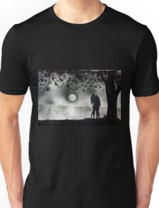Lovers Kissing under tree Unisex T-Shirt