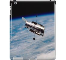 Hubble Orbiting earth iPad Case iPad Case/Skin
