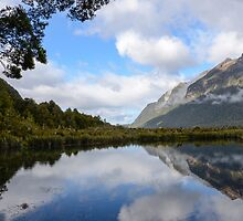 Mirror Lake near Milford Sound by 29Breizh33