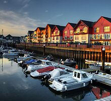 Exmouth Marina  by Rob Hawkins