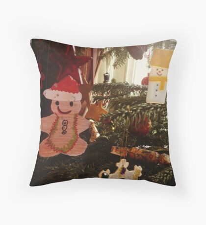 Gingerbread decoration Throw Pillow